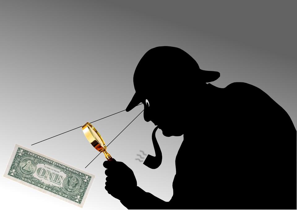 Detektiv finder penge